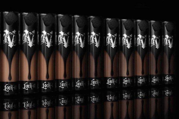 Cada día, son más las marcas que apuestan por ampliar los colores de sus bases, sin embargo, la que ha logrado hacerlo con una notable fuerza es Kat Von D